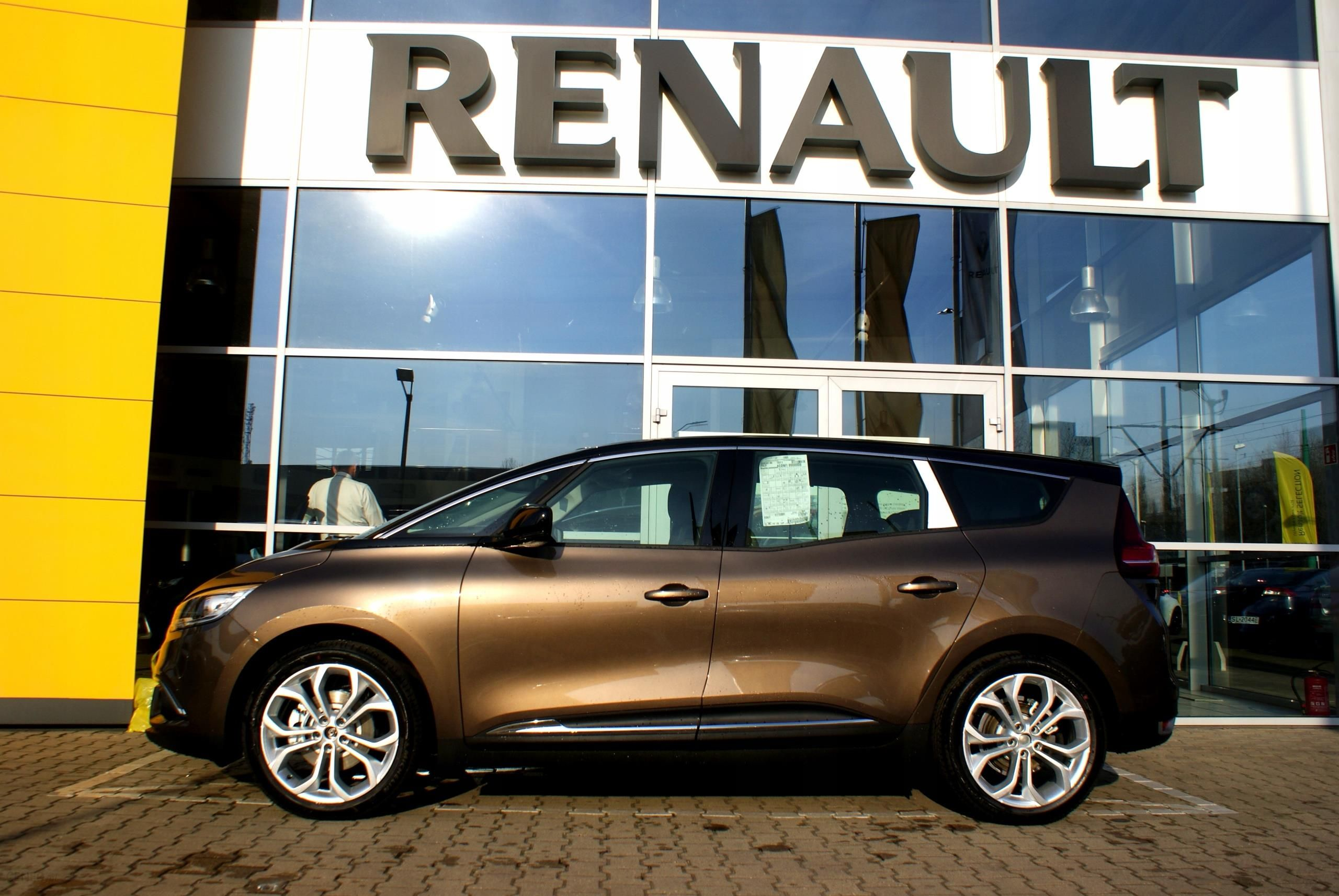 renault scenic grand 1 3 tce fap zen nowy opinie i ceny na. Black Bedroom Furniture Sets. Home Design Ideas