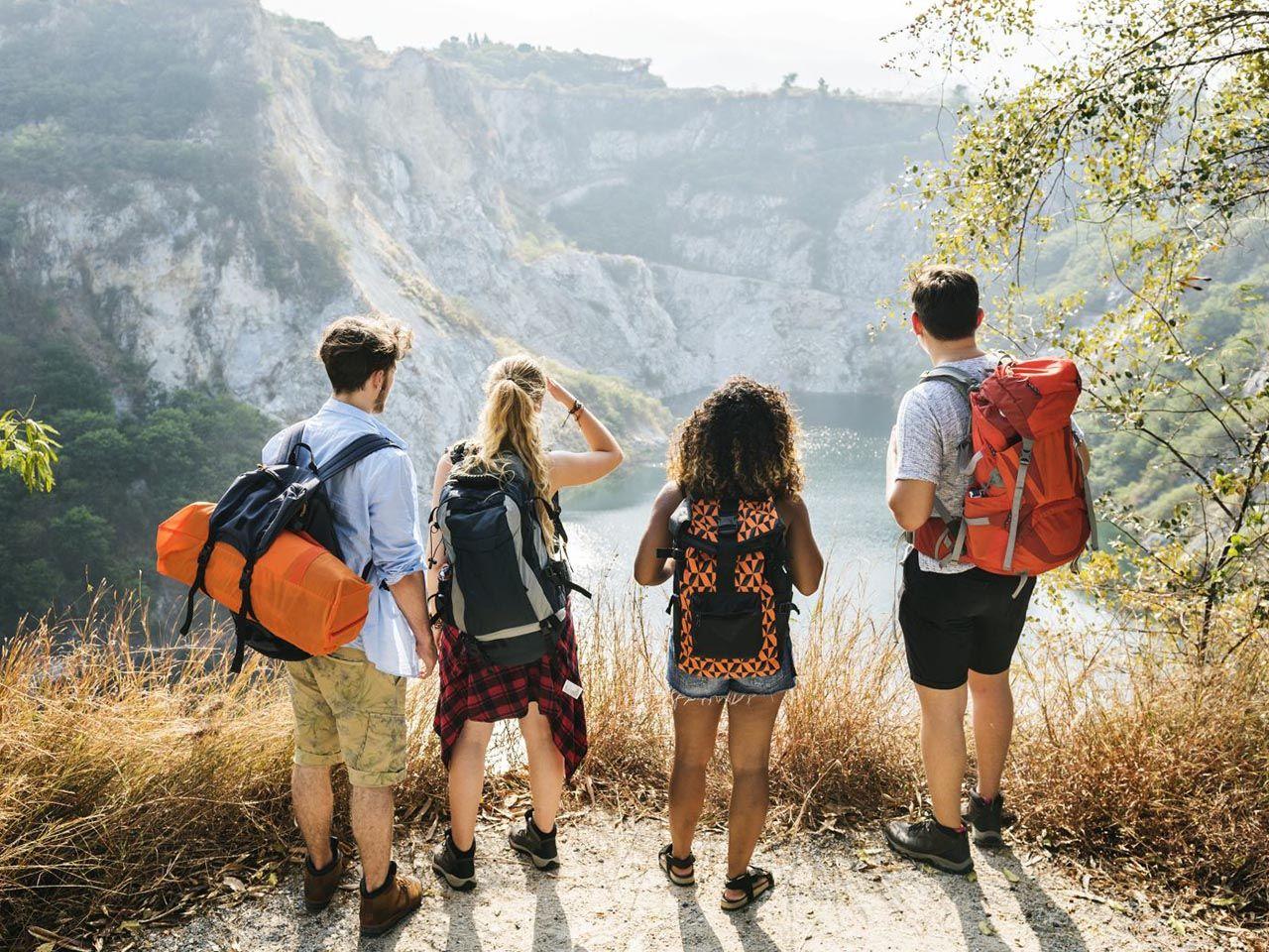 6b4767b1abd2b Jeżeli planujesz wyjazd w góry, z pewnością przyda ci się plecak. To  najwygodniejszy sposób na przenoszenie podstawowych akcesoriów. Jaki plecak  turystyczny ...
