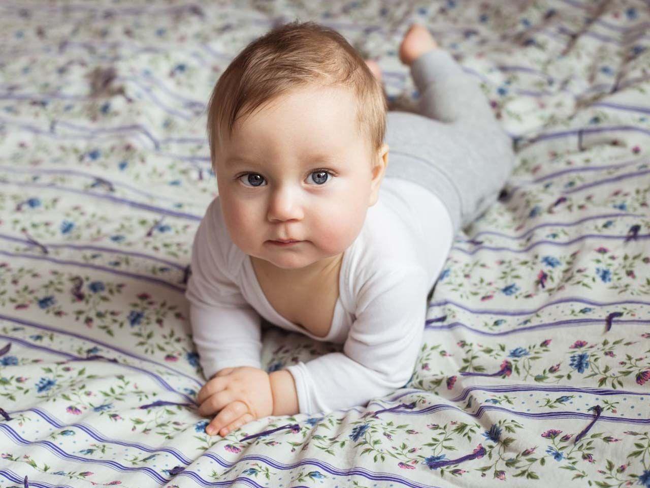 Niemowlę Spadło Z łóżka Co Robić świat Rodziców