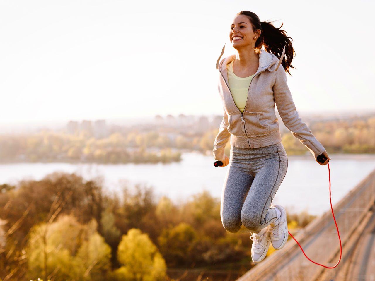 Skakanie na skakance – efekty, które cię zaskoczą! - Dbam o siebie