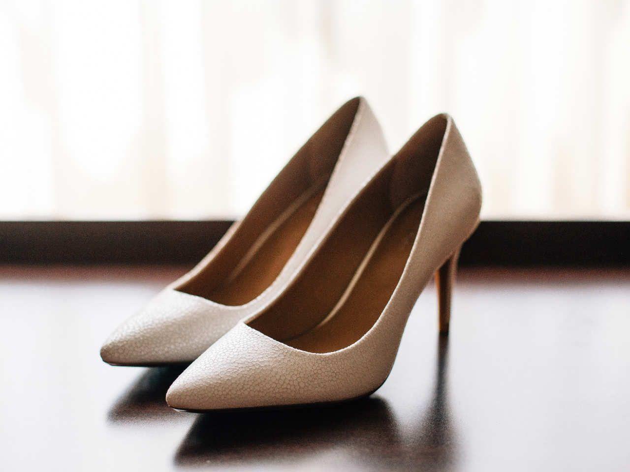 2250f99b Jednak jeśli jak najdłużej można wyglądać elegancko, dlaczego nie  skorzystać z tej możliwości. Wygodne buty na wesele pozwolą ci na to. Bierz!