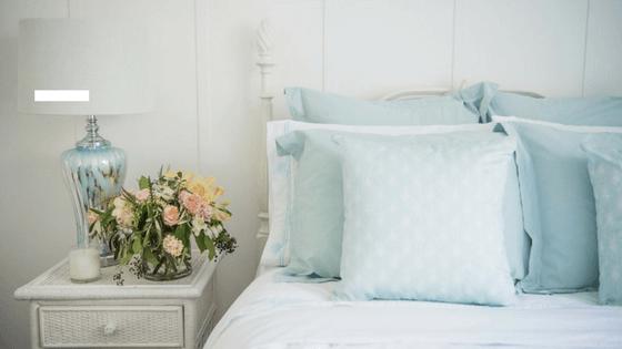 4 Sposoby Na Układanie Poduszek W Sypialni Wnętrza Ze Smakiem