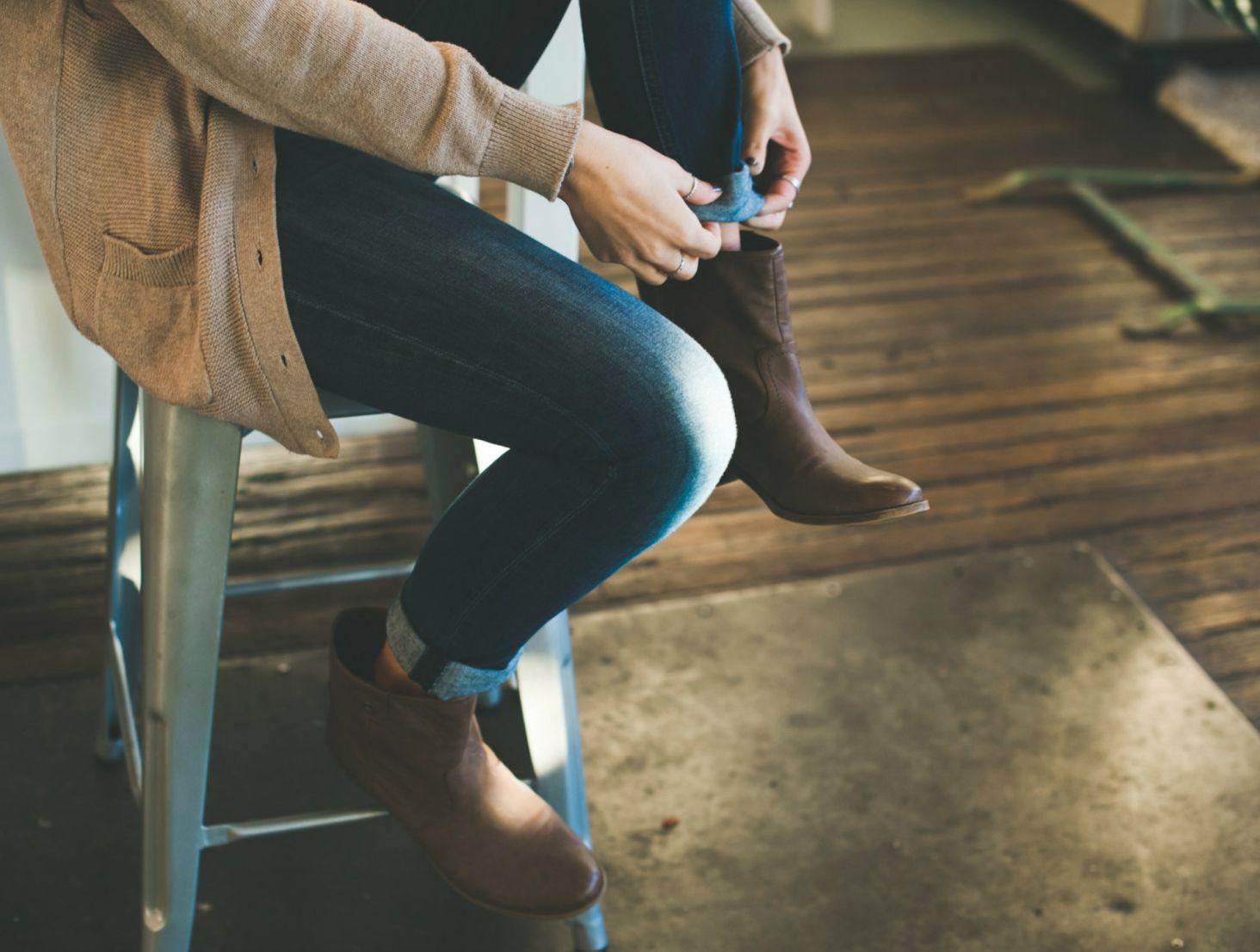 Co założyć zamiast szpilek do pracy? Wygodne buty w