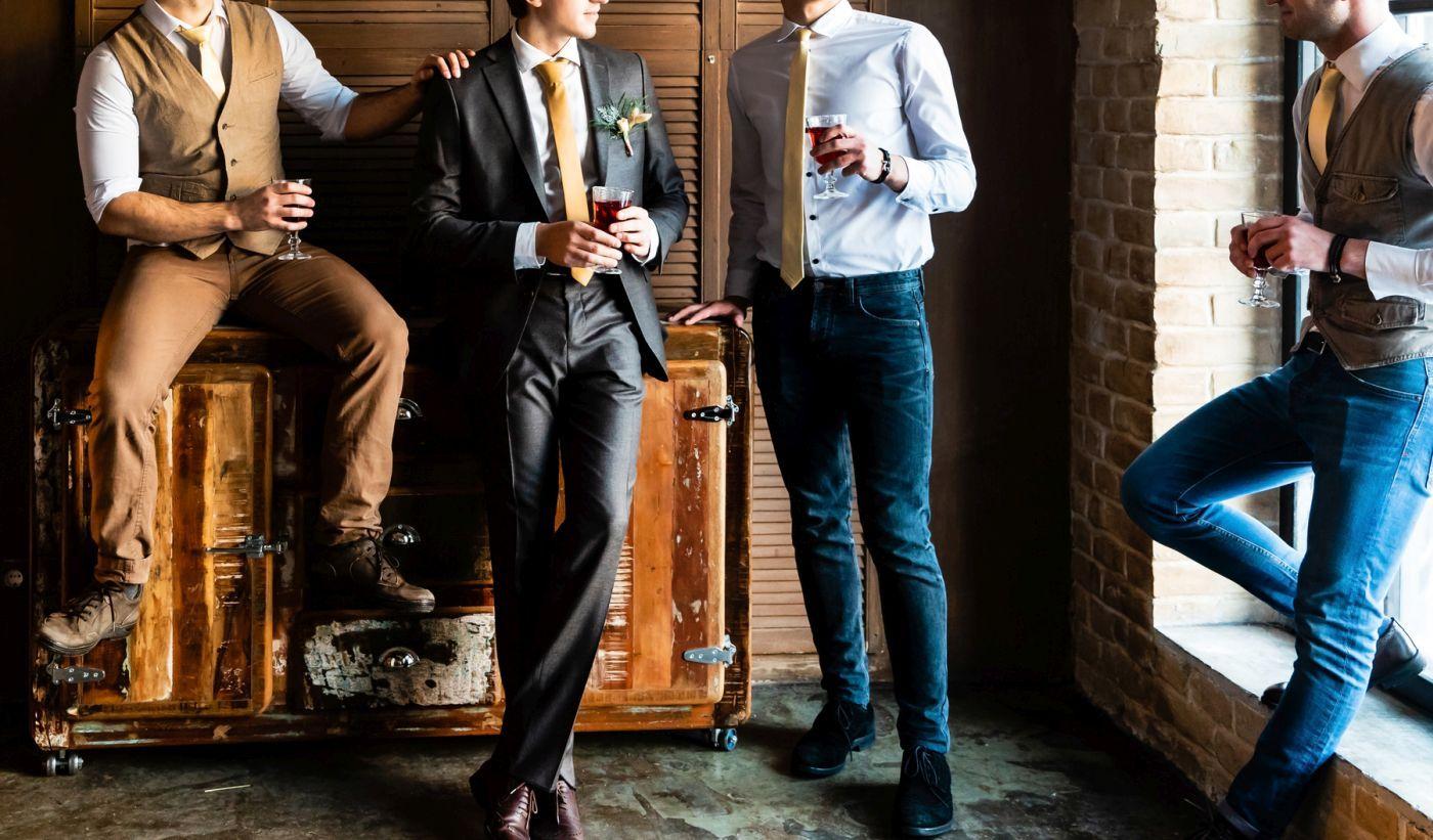 0725f13c856c7 Jakie modne garnitury męskie dominują w 2019 roku? Czy wciąż pierwsze  skrzypce gra garnitur granatowy? Sprawdźmy to!