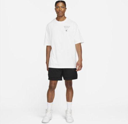 Jordan Męski T shirt z efektem sprania i grafiką Jordan Flight Essentials Biel - Ceny i opinie T-shirty i koszulki męskie YMPF