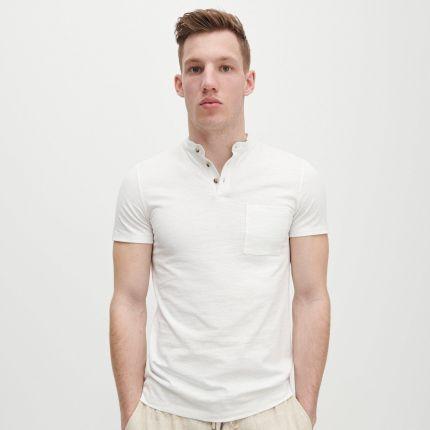 Reserved Polo slim fit ze stÓjką Biały - Ceny i opinie T-shirty i koszulki męskie FVIG