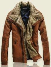 faf53eda51114 Brązowa ocieplana skórzana męska zimowa kurtka firmy Emporio Armani ...