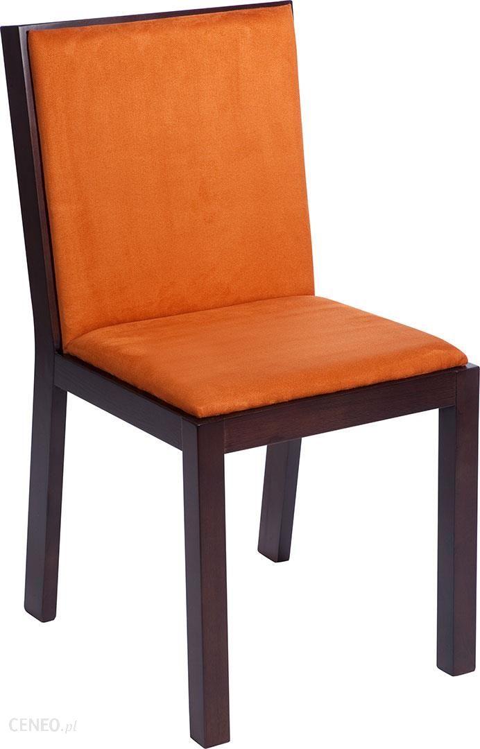 miękko wyście�ane i wygodne krzes�o z drewna stylem i