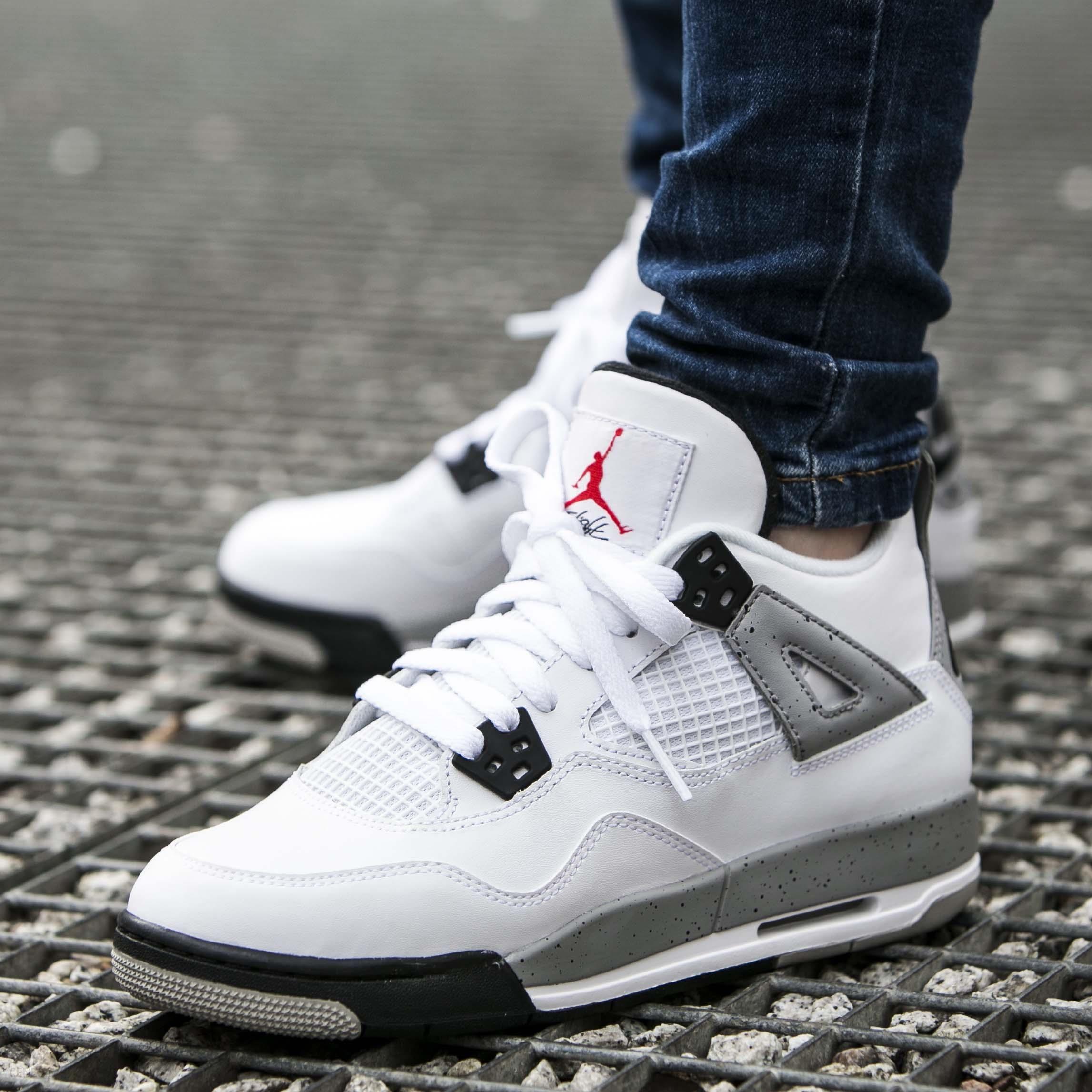Robes Gris Noir Nike Air Jordan 4 Retro
