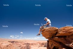 Fototapeta USA. Arizona. Page. Horseshoe Bend. Man with notebook