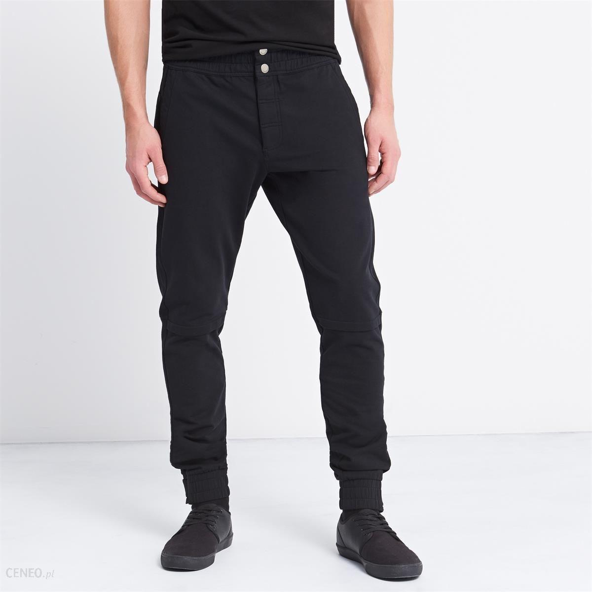 1fc216130 Reserved - Spodnie dresowe zapinane na guziki - Czarny - męska - zdjęcie 1