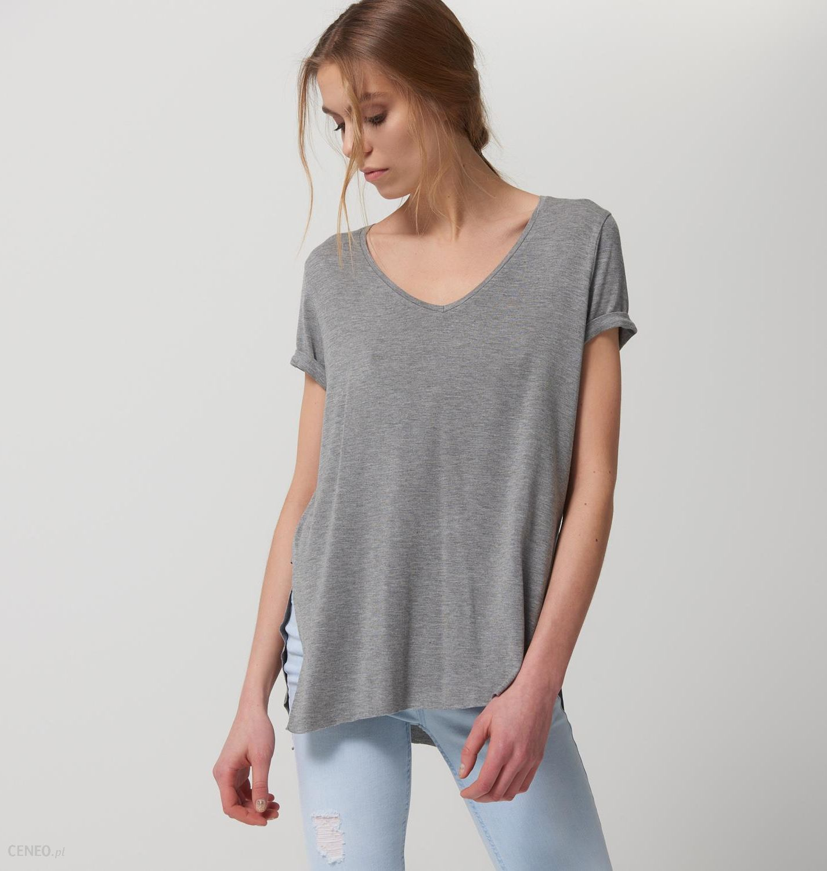 ff3605cc8e0571 Mohito - Luźny t-shirt z dekoltem w szpic after hours - Szary - damska