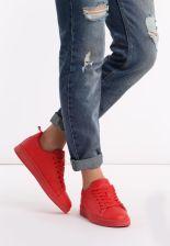 Czerwone buty sportowe damskie