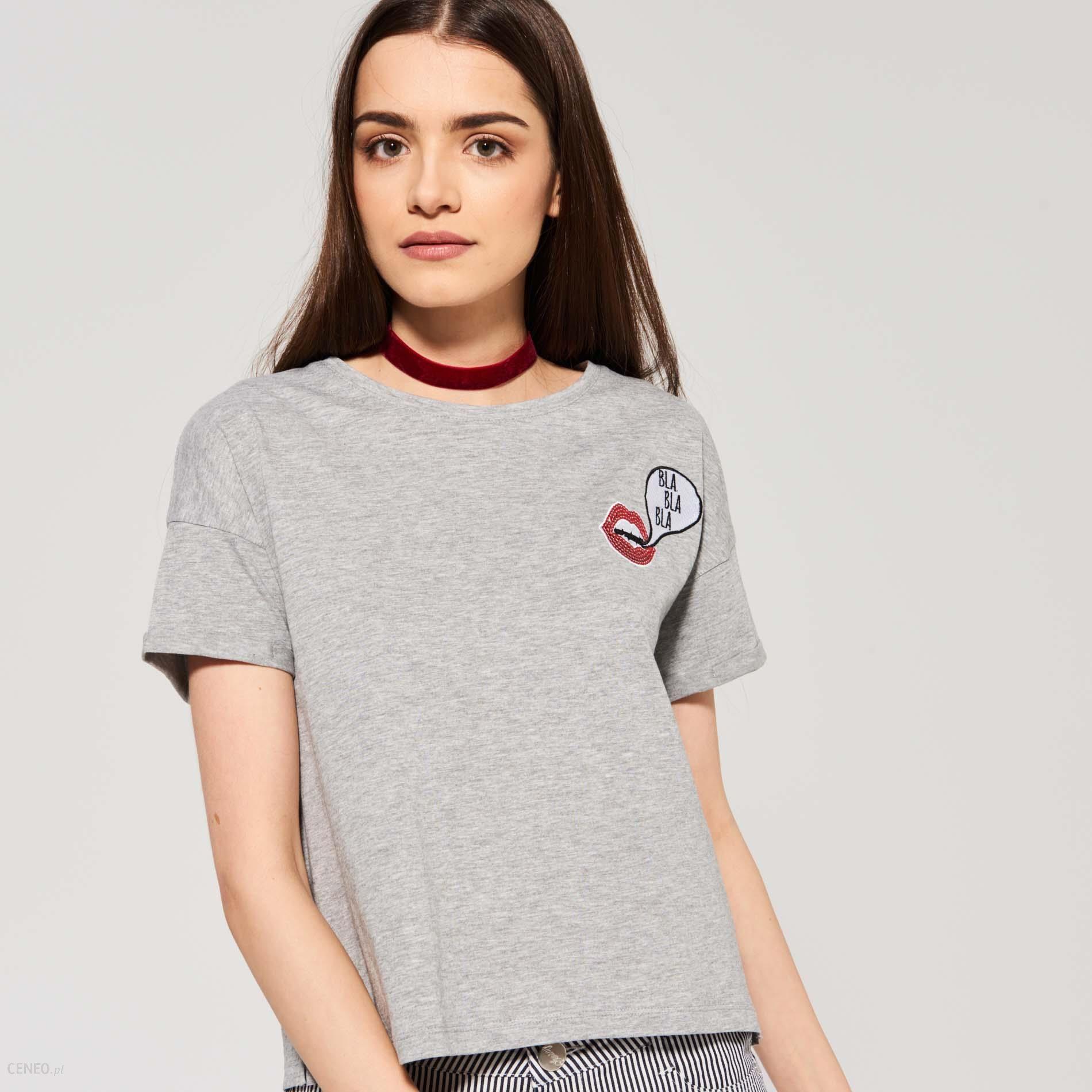 151cb7778506cd Sinsay - Luźny t-shirt z naszywkami - Szary - damski - Ceny i opinie ...