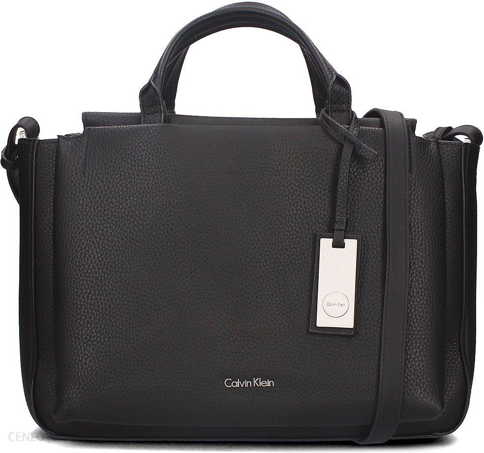 88c22c57c72fe Calvin Klein Carri3 Duffle - Torebka Damska - K60K602062 001 - zdjęcie 1