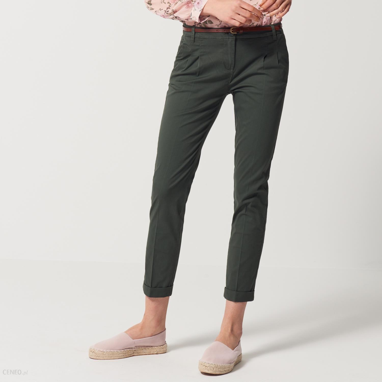 d4a13043fed975 Mohito - Spodnie typu chino z eleganckim kantem - Zielony - damski -  zdjęcie 1