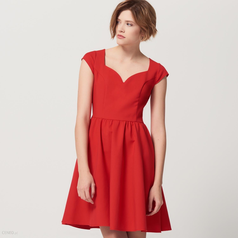 Mohito Czerwona sukienka z eleganckim wycięciem dekoltu Czerwony damski