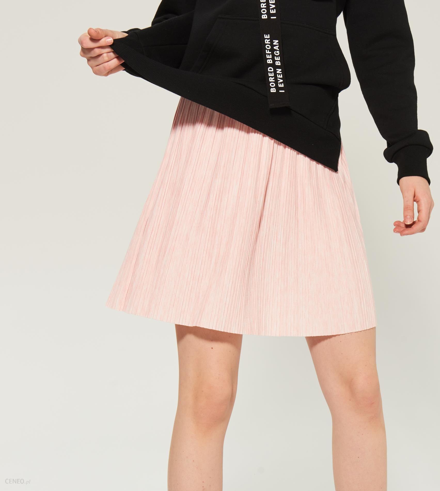 dec97670 Sinsay - Plisowana spódnica z brokatową gumką - Różowy - damski