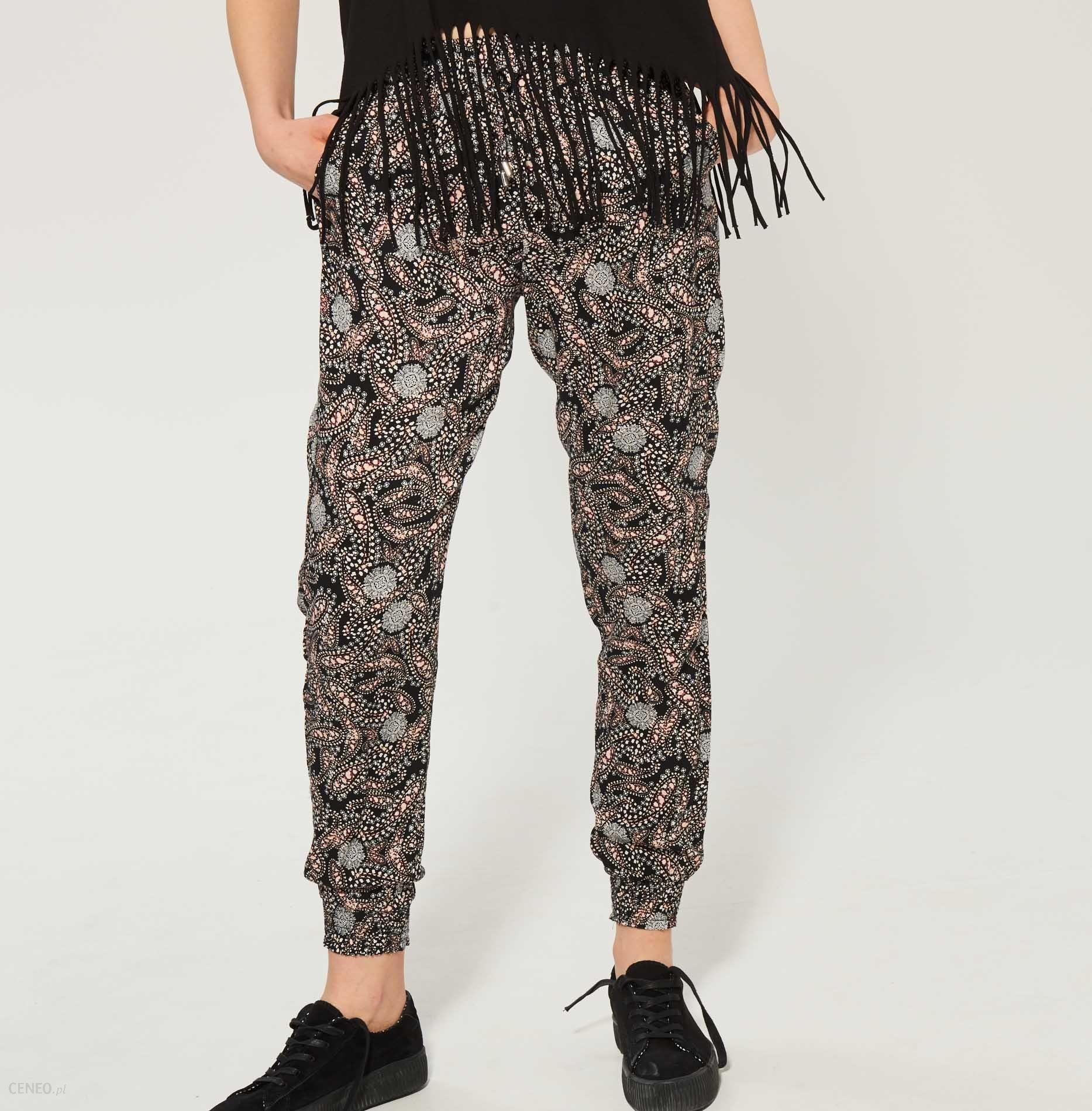 28a6d2cfdbe400 Sinsay - Materiałowe spodnie na lato - Wielobarwn - damski - Ceny i ...