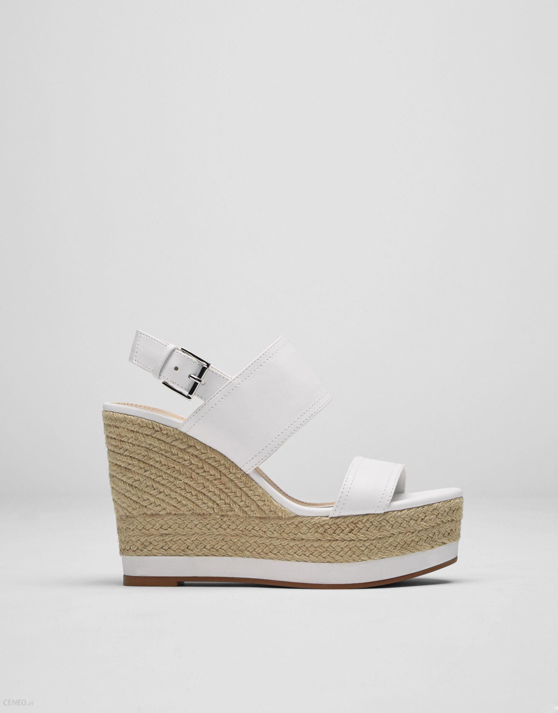 2b230a630718e3 Pull&Bear Białe buty na koturnie z juty z paseczkami - Ceny i opinie ...