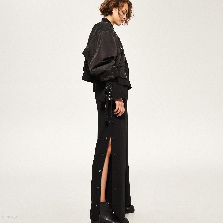 Reserved Szerokie spodnie z zatrzaskami Czarny