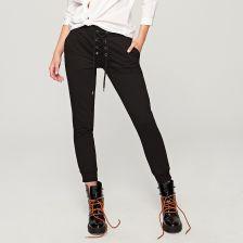 Czarne spodnie z wiązaniem z przodu czarny   KOLEKCJA