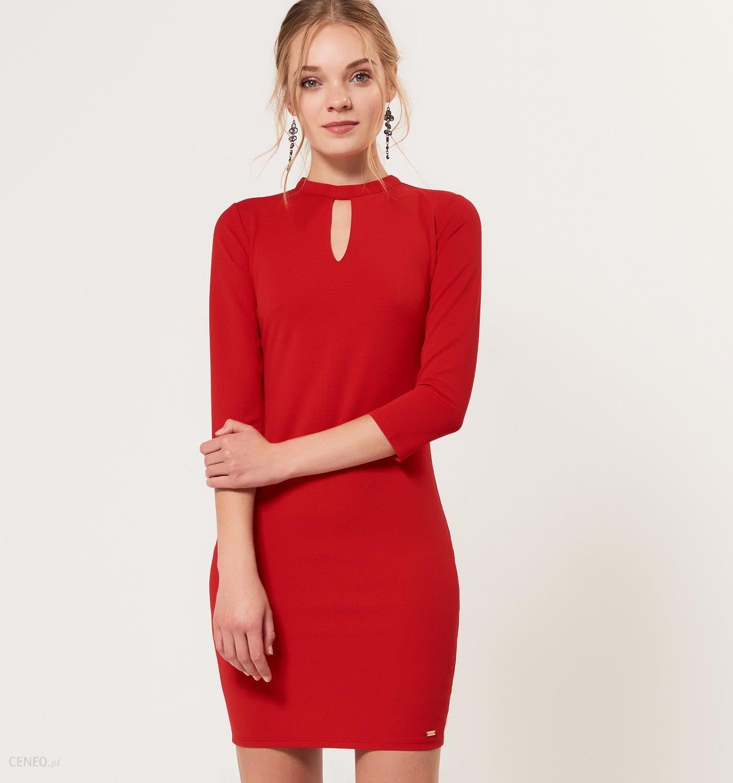 afa35379 Mohito - Zmysłowa sukienka z wycięciem przy dekolcie - Czerwony