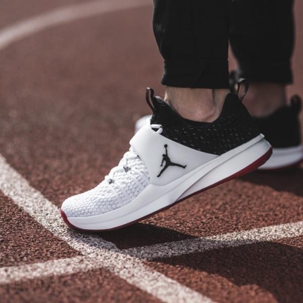 Buty męskie sneakersy Jordan Trainer 2 Flyknit 921210 101 BIAŁY Ceny i opinie Ceneo.pl