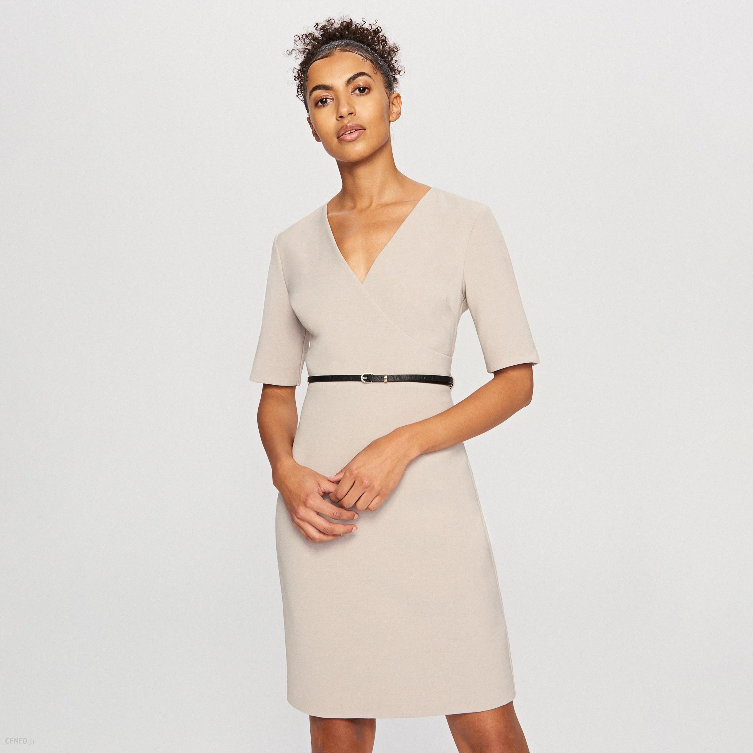 9a40792c0f Reserved - Sukienka z paskiem w talii - Beżowy - Ceny i opinie ...