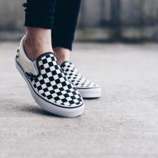 Buty damskie sneakersy Vans Classic Slip On VEYEBWW KREMOWY