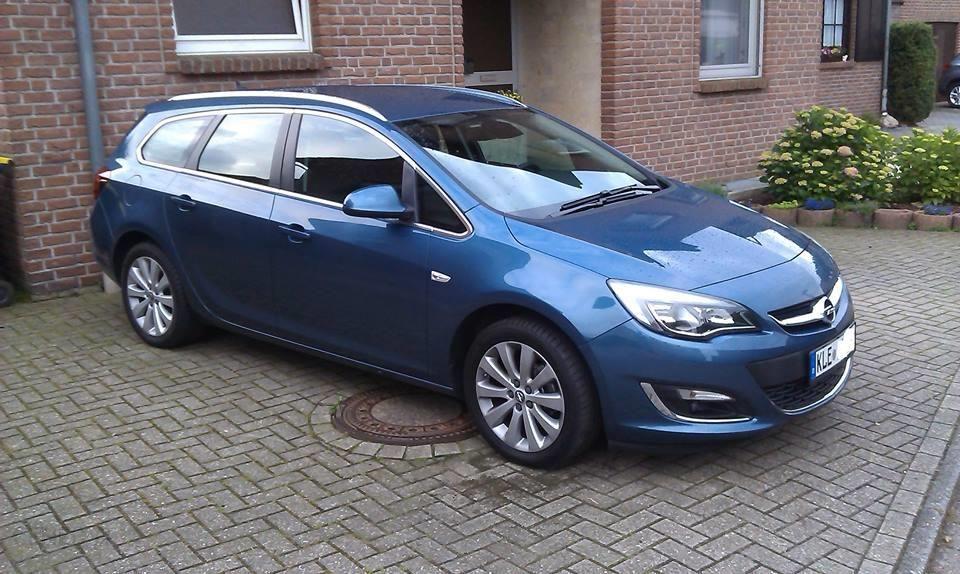 Opel Astra J 2015 Benzyna 140km Kombi Niebieski Opinie I Ceny Na Ceneo Pl