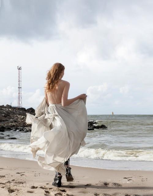 Suknia ślubna Z Odkrytymi Plecami Ceny I Opinie Ceneopl