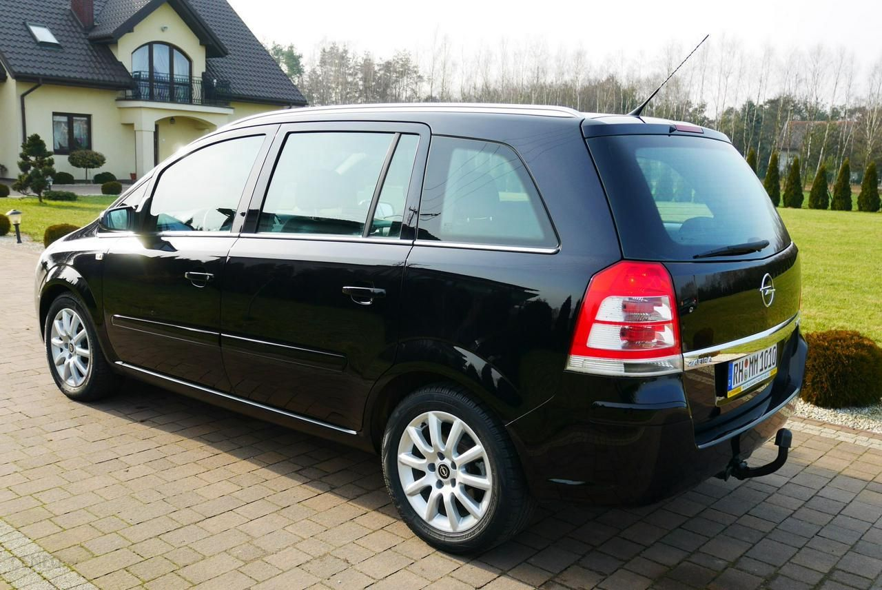 opel zafira b 2009 diesel 125km minivan czarny opinie i. Black Bedroom Furniture Sets. Home Design Ideas