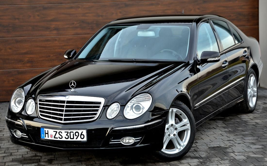 mercedes benz klasa e w211 2007 diesel 225km sedan czarny. Black Bedroom Furniture Sets. Home Design Ideas