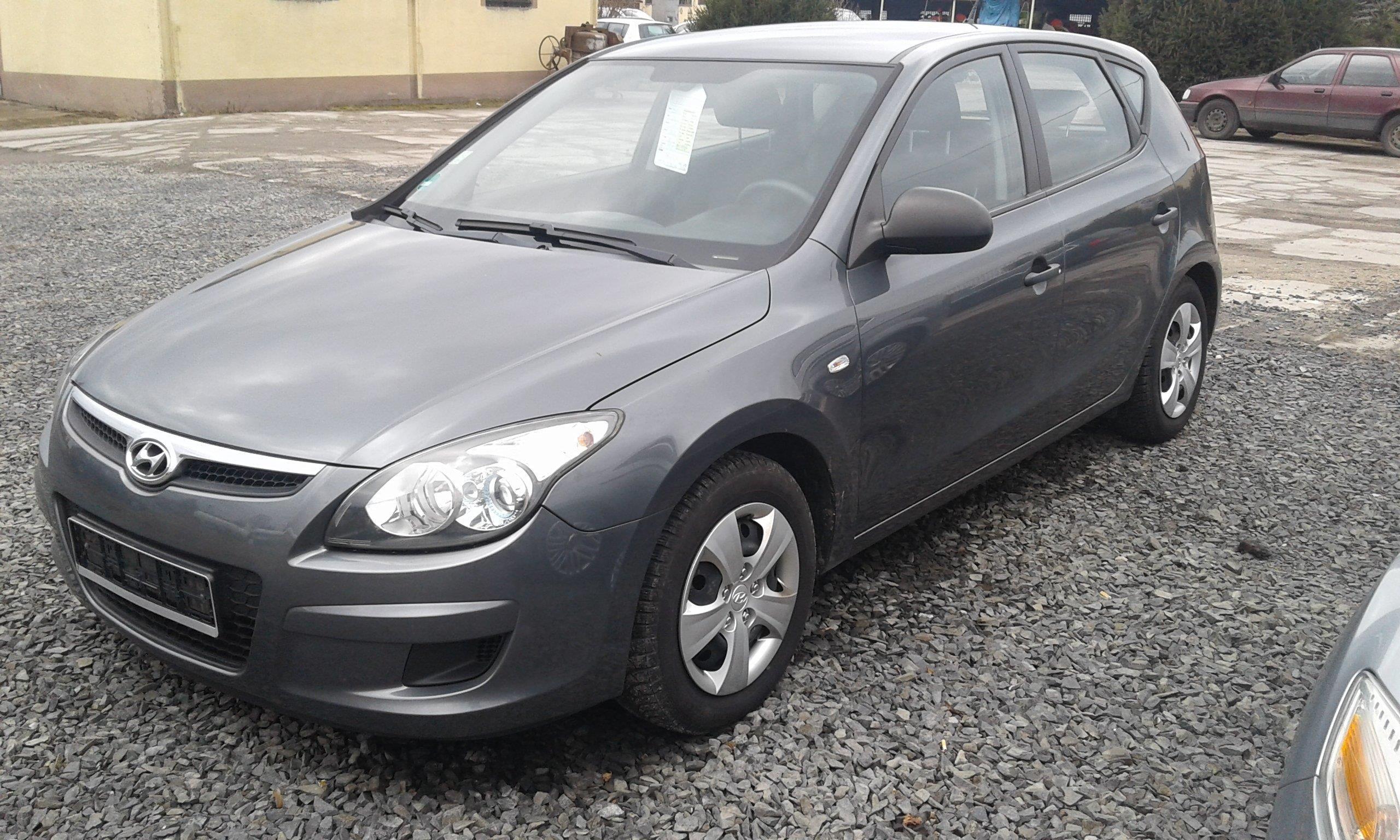 13de5e27251e42 Hyundai i30 I 2009 benzyna 109KM hatchback szary - Opinie i ceny na ...