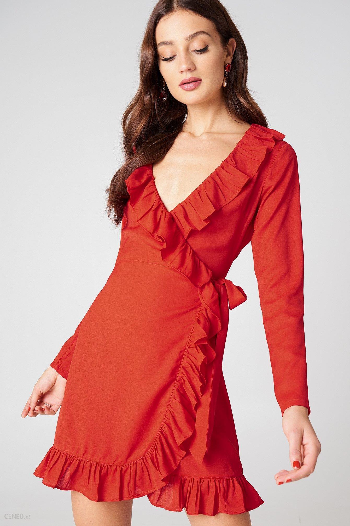 e7ff86194b NA-KD Kopertowa sukienka z długim rękawem i falbaną - Ceny i opinie ...