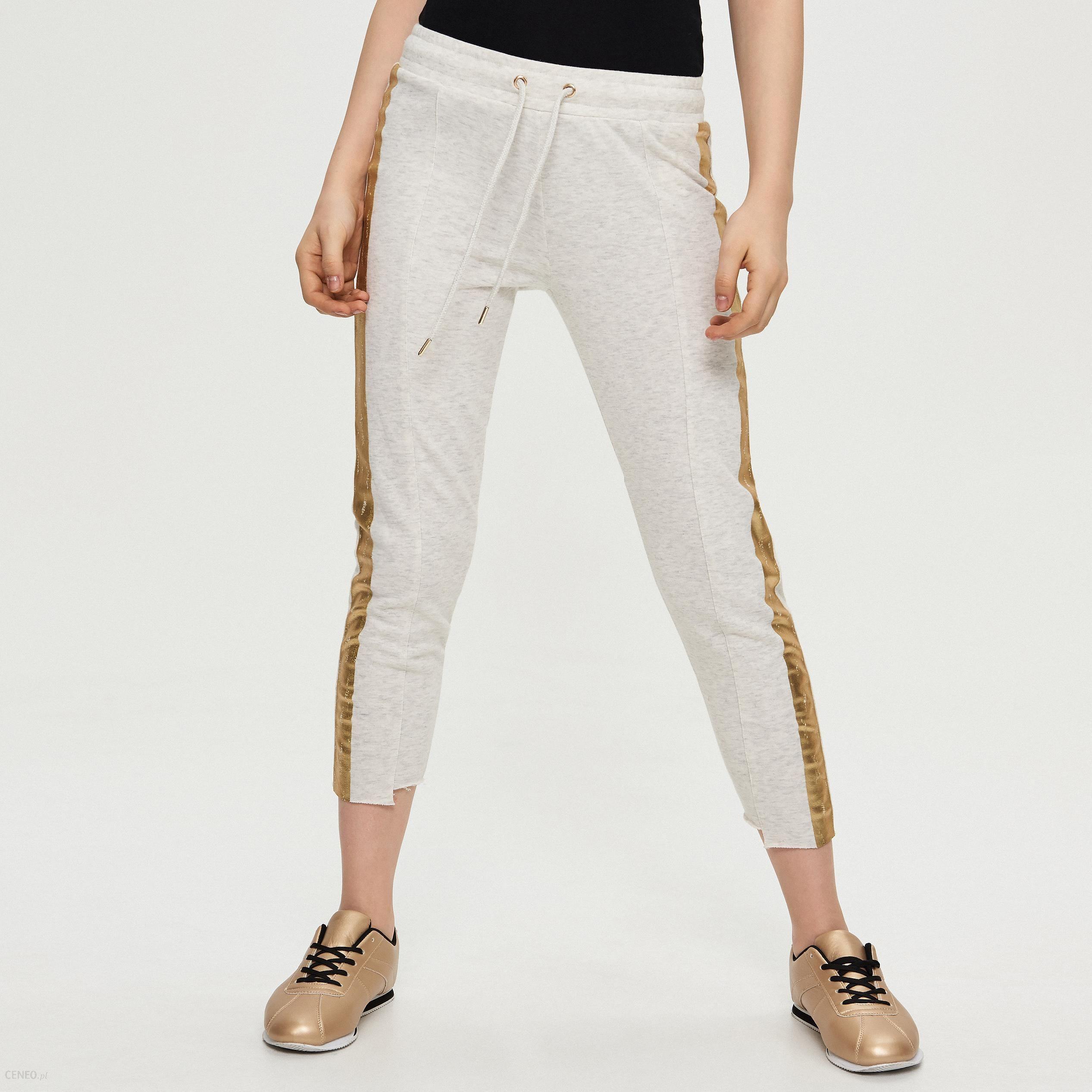 c340a288169d56 Sinsay - Dresowe spodnie z lampasem - Kremowy - Ceny i opinie - Ceneo.pl