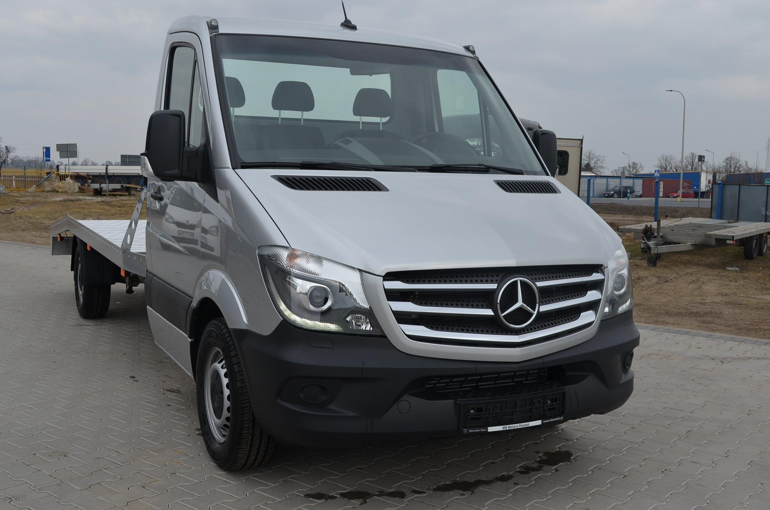 mercedes sprinter 319 cdi nowy pe na opcja 1450 kg. Black Bedroom Furniture Sets. Home Design Ideas