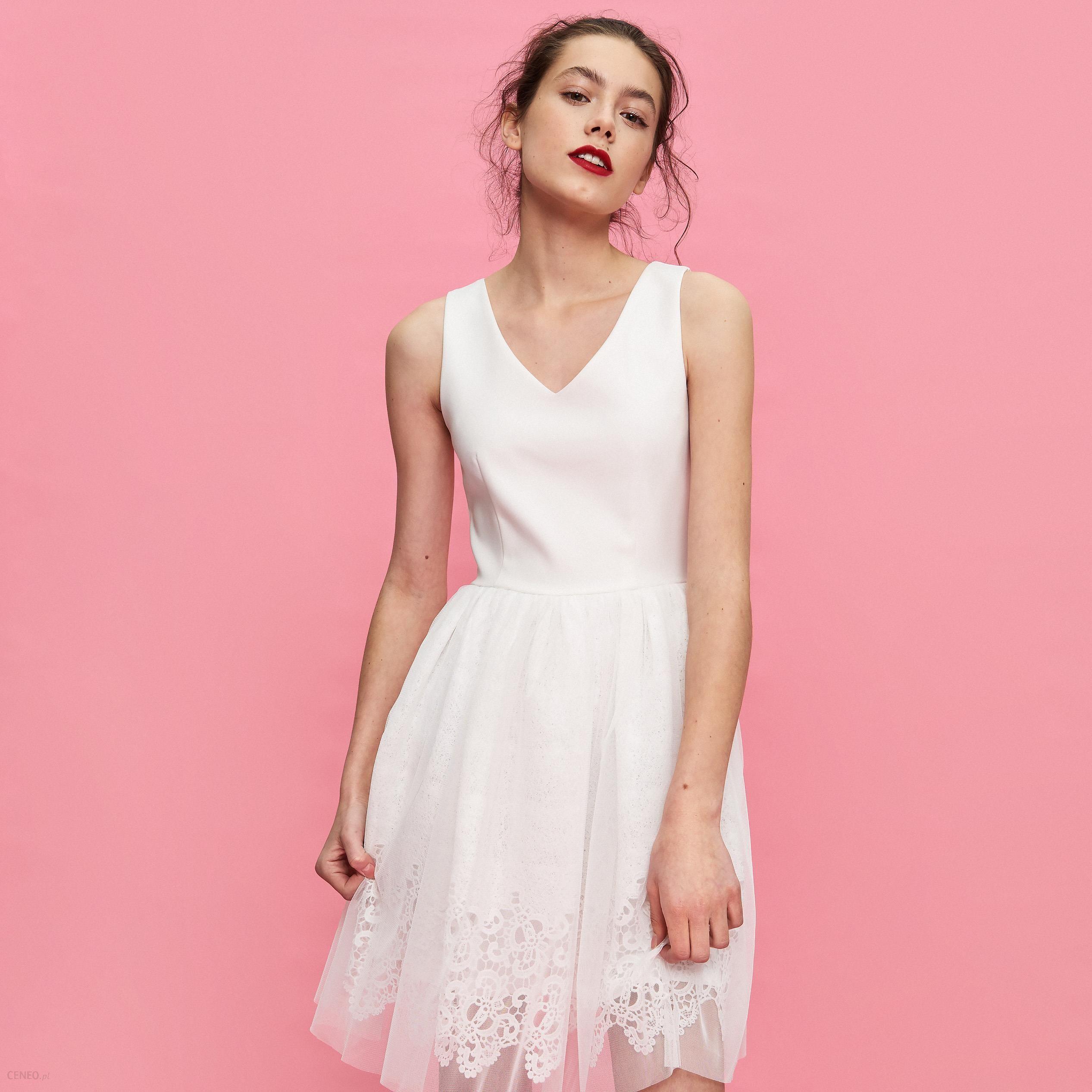 96e7e40657 Sinsay - Rozkloszowana sukienka ze zdobieniem - Kremowy - Ceny i ...