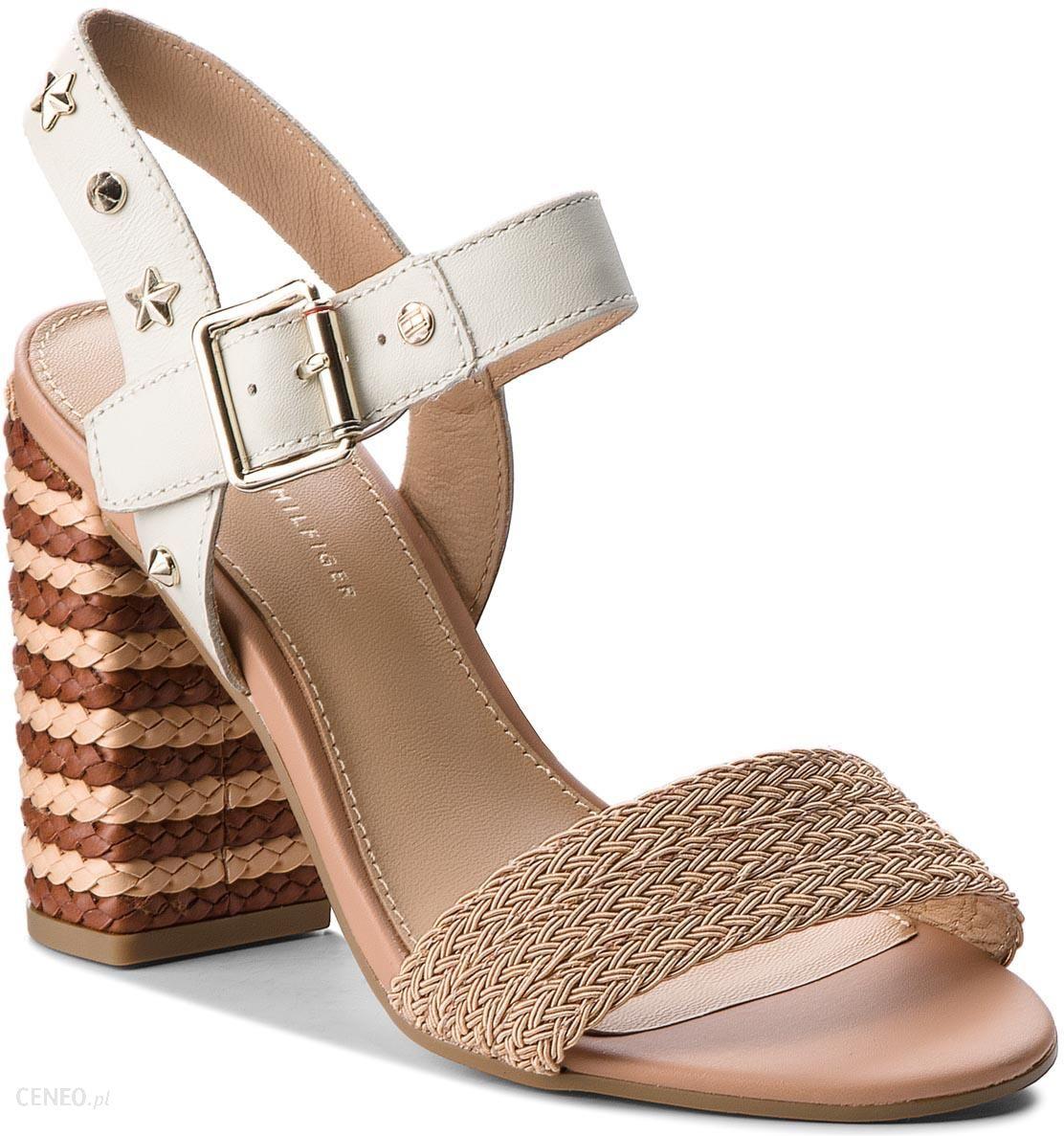 a2ff24c4ddd7b Sandały TOMMY HILFIGER - Feminine Heel Sandal Star Studs FW0FW02254 Whisper  White 121 - zdjęcie 1