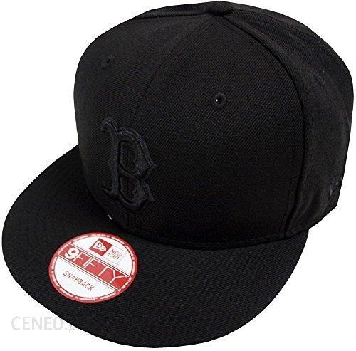 Amazon New Era MLB Boston Red Sox Black on Black Snapback Cap 9 Fifty  Limited Edition dbbcc503389