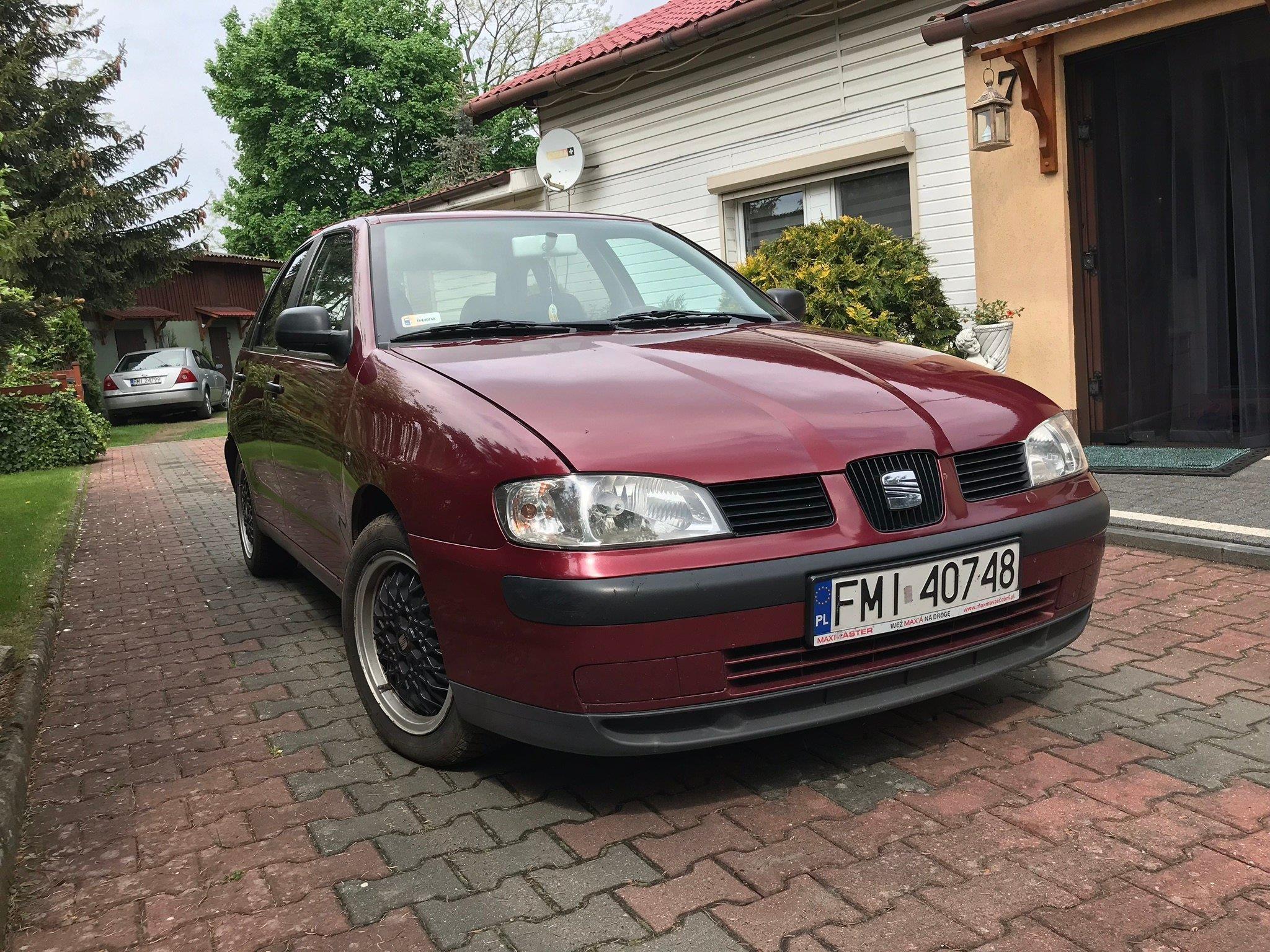W Ultra Seat Ibiza II FL 2000 benzyna 60KM hatchback bordowy - Opinie i ES86