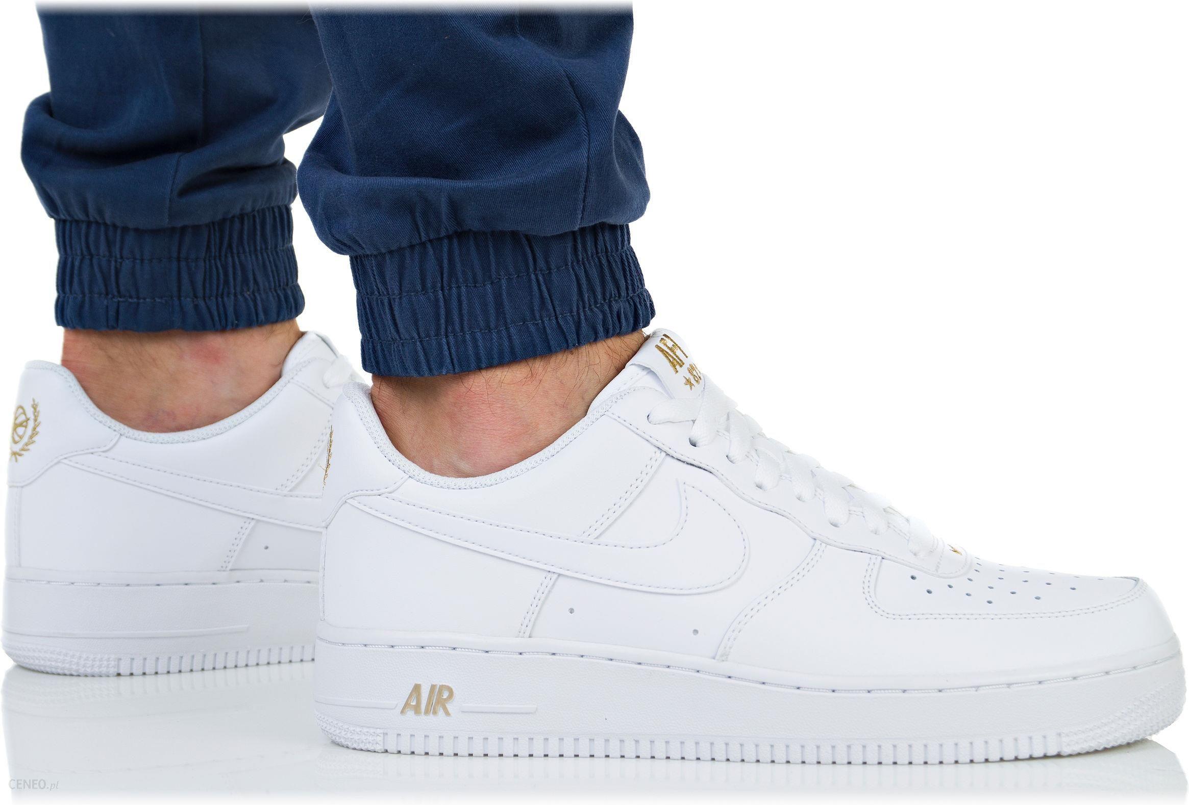Modne buty dla mężczyzn. Air force białe męskie Nike air