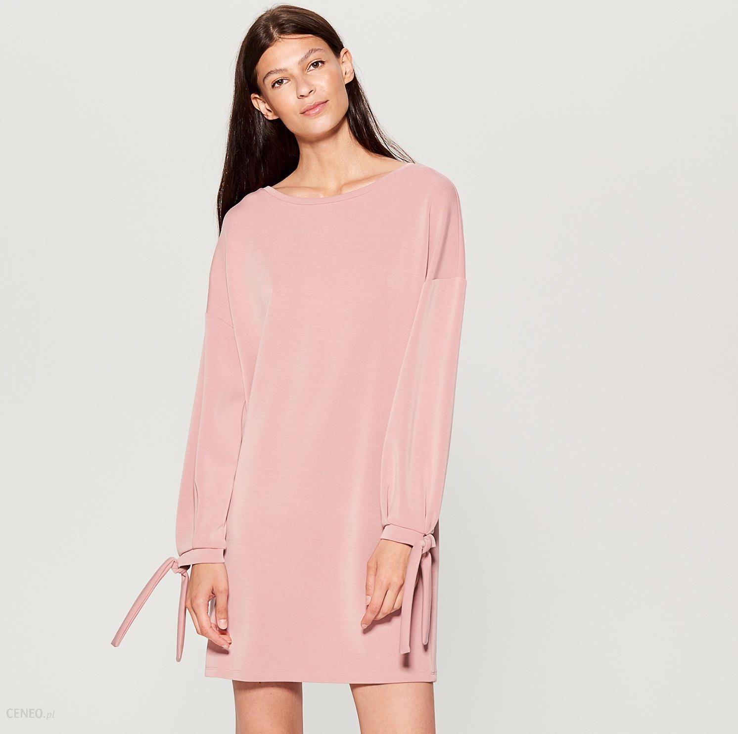 12f474fbb5 Mohito - Dzianinowa sukienka oversize - Różowy - Ceny i opinie ...