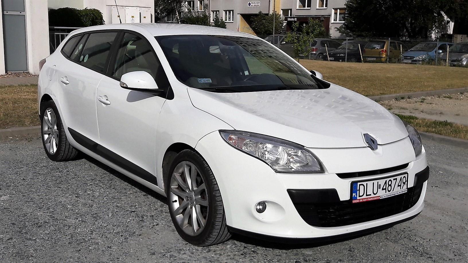 Renault Megane Iii 2010 130km Kombi Bialy Opinie I Ceny Na Ceneo Pl