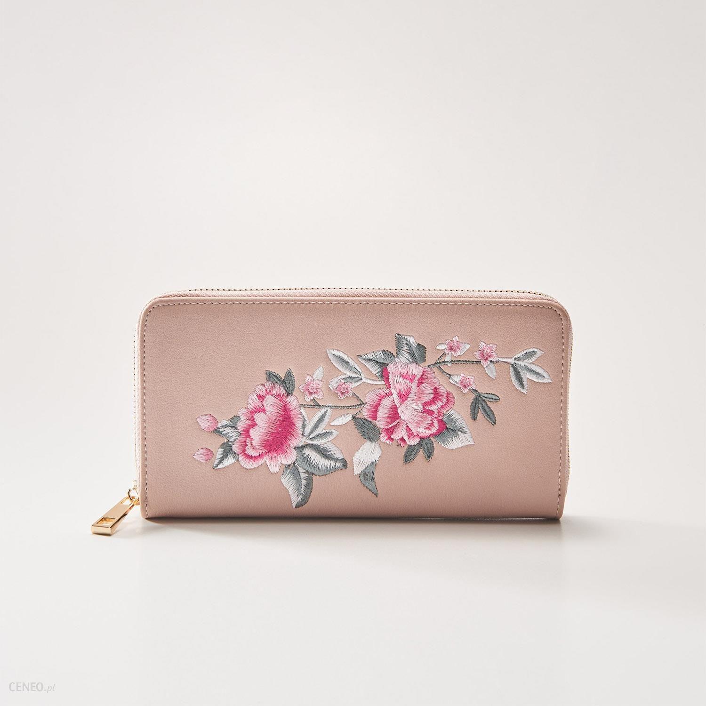 a169267f4b743 House - Portfel z kwiatowym haftem - Różowy - Ceny i opinie - Ceneo.pl