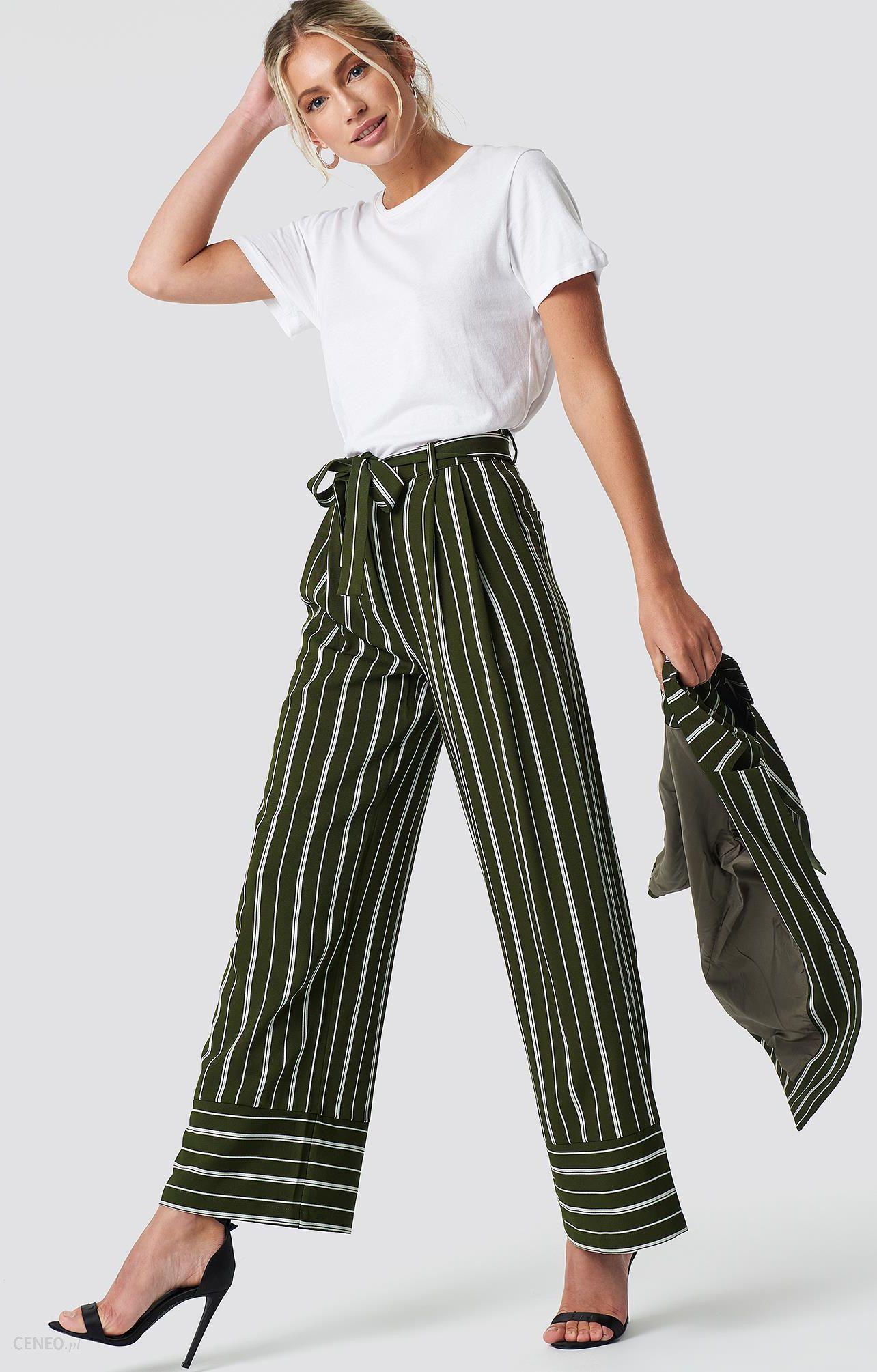 1b23650b NA-KD Szerokie spodnie w paski