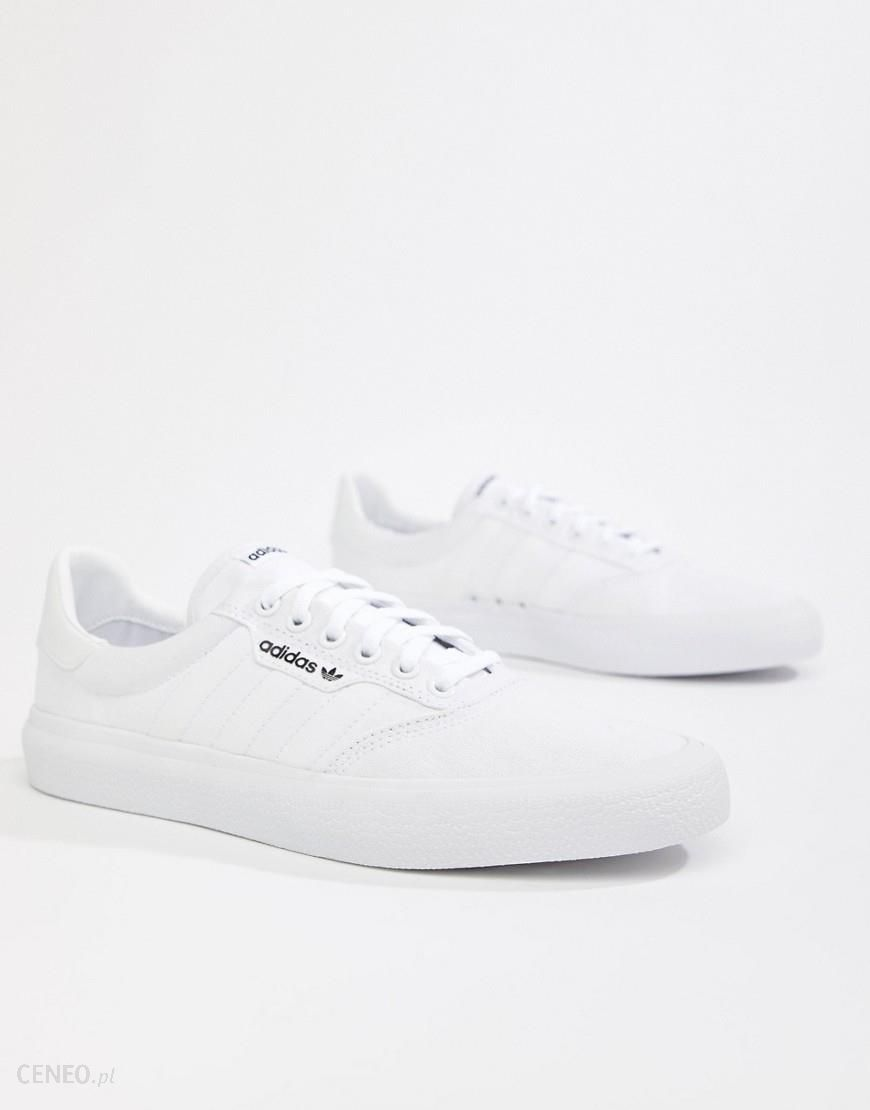 buty adidas originals 3mc b22705 na nodze
