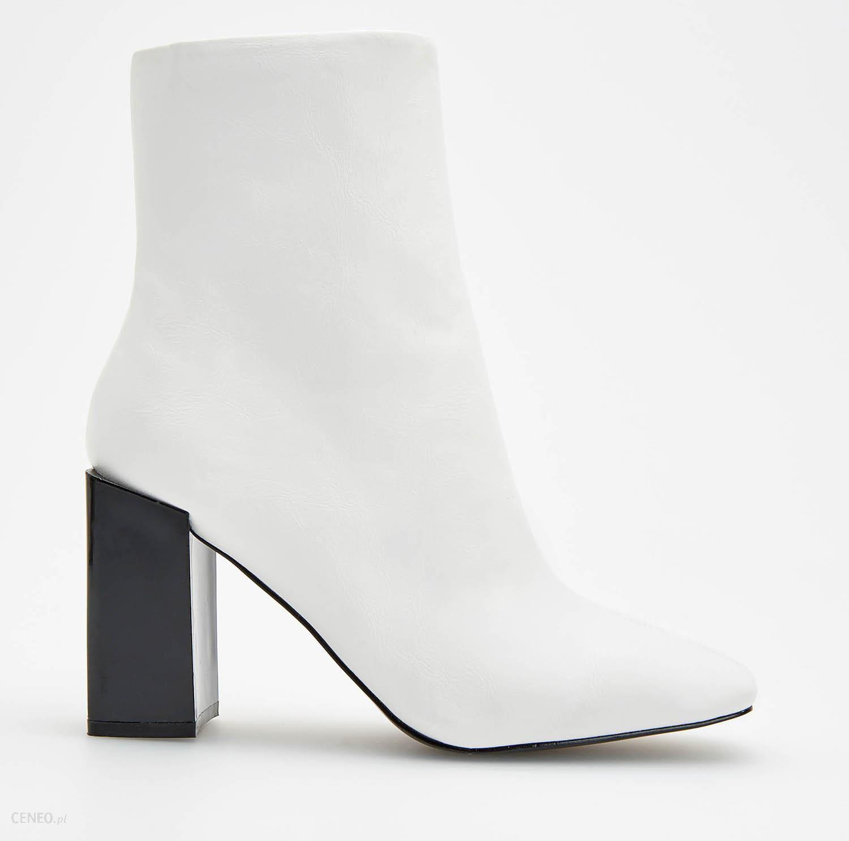 e2b560b1 Reserved - Białe botki na ozdobnym obcasie - Biały - Ceny i opinie ...