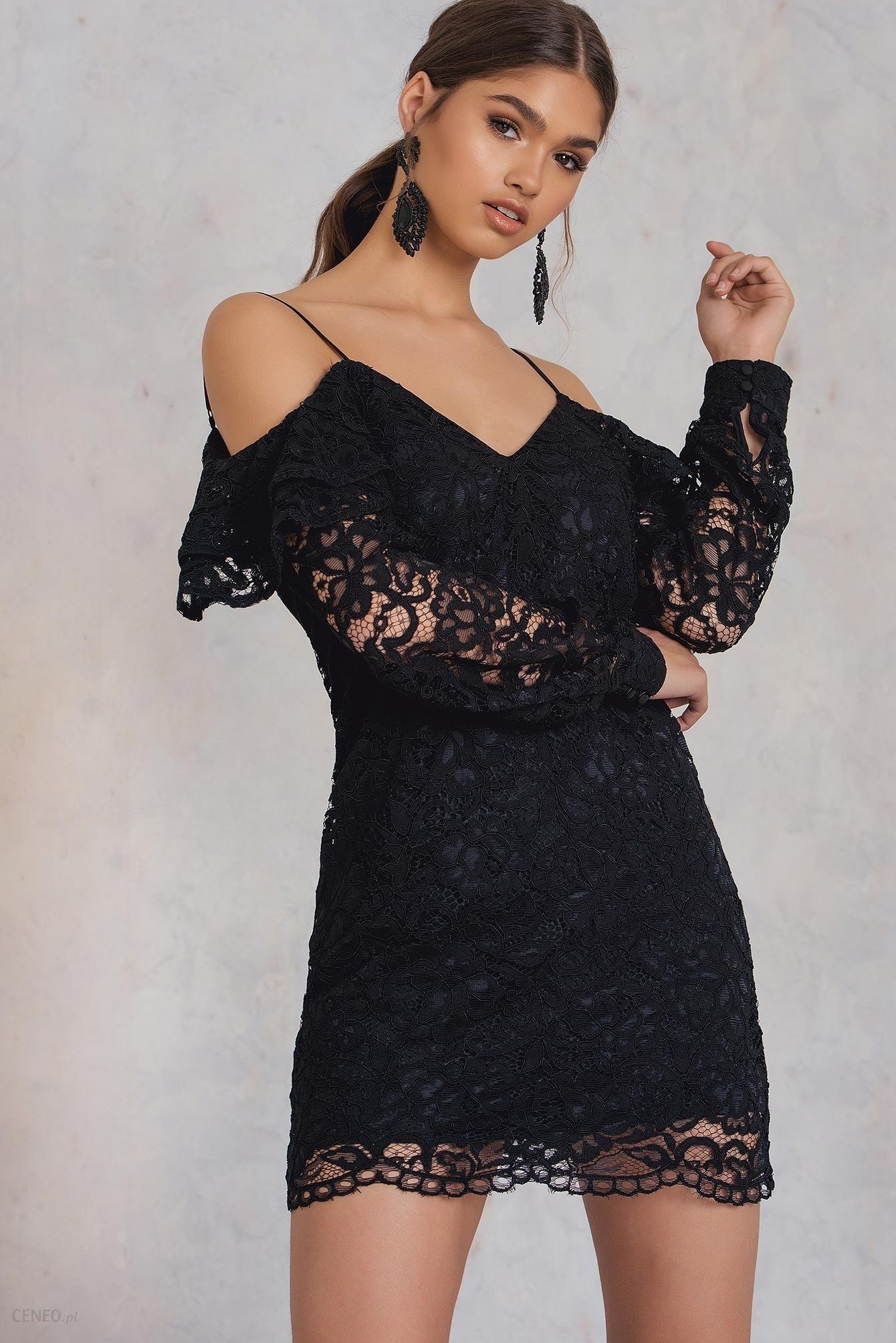 725d6a78 NA-KD Koronkowa sukienka z odkrytymi ramionami